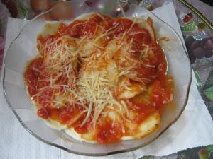 Sorrentinos de pollo y carne con pomarola italiana