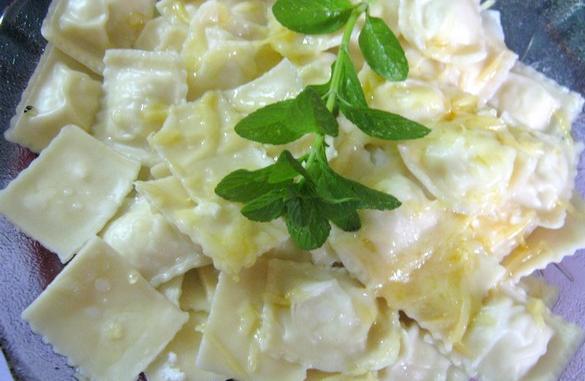 plato de ravioles