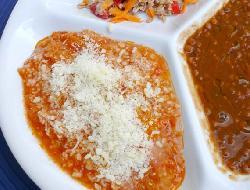 Salsa delicada de lomito ahumado, queso y nueces tostadas