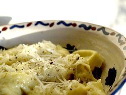 Cappelletti rellenos de jamón y queso