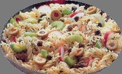 Ensalada de pastas con manzanas, apio, queso, aceitunas y......