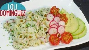 Ensalada de pasta con pollo y salsa de yogur casera